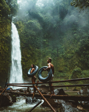 Piérdete por Bali mientras descubres todas sus auténticas maravillas. Utiliza nuestro buscador de hoteles baratos para reservar tu villa ideal.