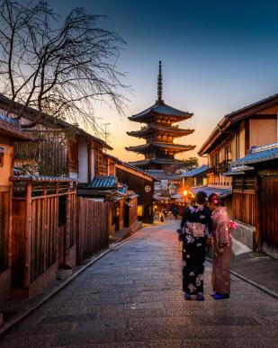 Viajar a Tokio es mucho más que hacer un simple viaje. Además, con nuestro buscador de hoteles baratos podrás encontrar el alojamiento ideal para vivir aún mejor una experiencia única.
